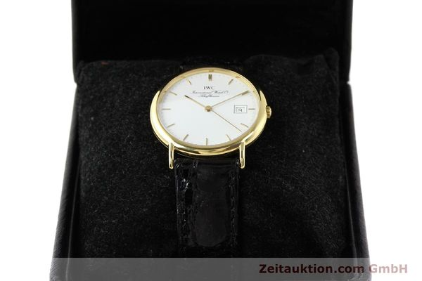 montre de luxe d occasion IWC Portofino or 18 ct quartz Ref. 3331  | 140545 07