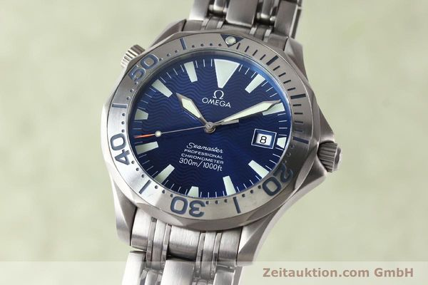 Used luxury watch Omega Seamaster titanium automatic Kal. 1120 Ref. 22318000  | 141319 04