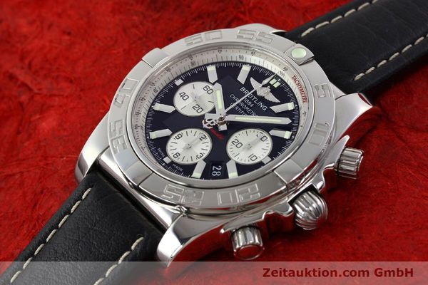 Used luxury watch Breitling Chronomat 44 chronograph steel automatic Kal. B01 Ref. AB0110  | 141405 01