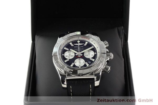 Used luxury watch Breitling Chronomat 44 chronograph steel automatic Kal. B01 Ref. AB0110  | 141405 07