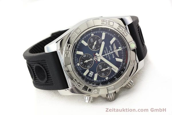 Used luxury watch Breitling Chronomat 44 chronograph steel automatic Kal. B01 Ref. AB0110  | 141407 03