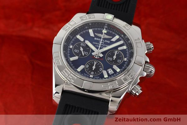 Used luxury watch Breitling Chronomat 44 chronograph steel automatic Kal. B01 Ref. AB0110  | 141407 04
