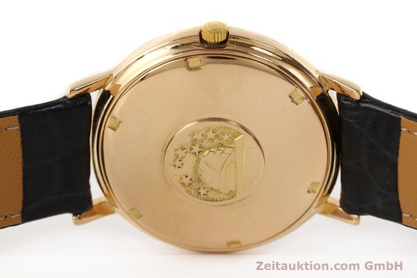 montre de luxe d occasion Omega Constellation or 18 ct automatique Kal. 561 Ref. 1683004  | 141430 08