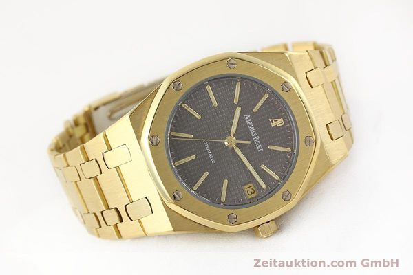 montre de luxe d occasion Audemars Piguet Royal Oak or 18 ct automatique Kal. 2123 Ref. B27623  | 141551 03