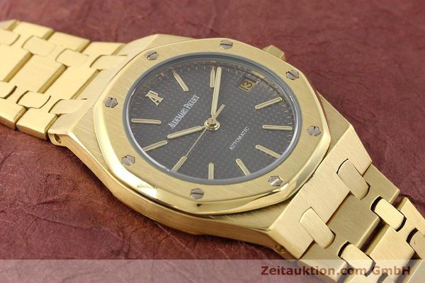 montre de luxe d occasion Audemars Piguet Royal Oak or 18 ct automatique Kal. 2123 Ref. B27623  | 141551 17