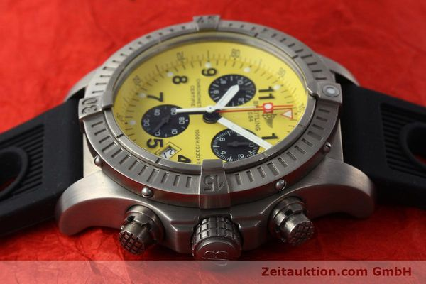 Used luxury watch Breitling Avenger chronograph titanium quartz Kal. B73 Ref. E73360  | 141886 05