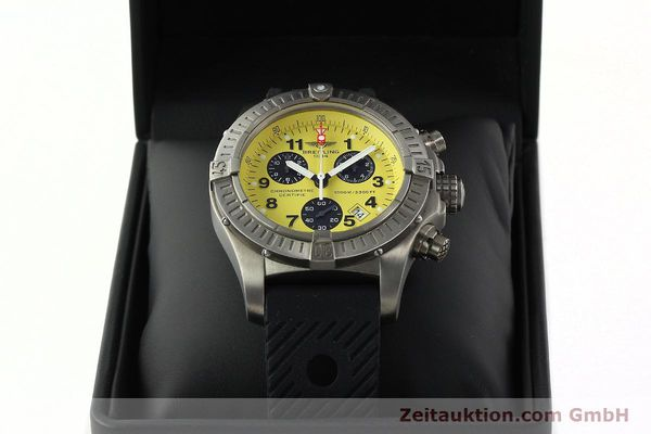 Used luxury watch Breitling Avenger chronograph titanium quartz Kal. B73 Ref. E73360  | 141886 07