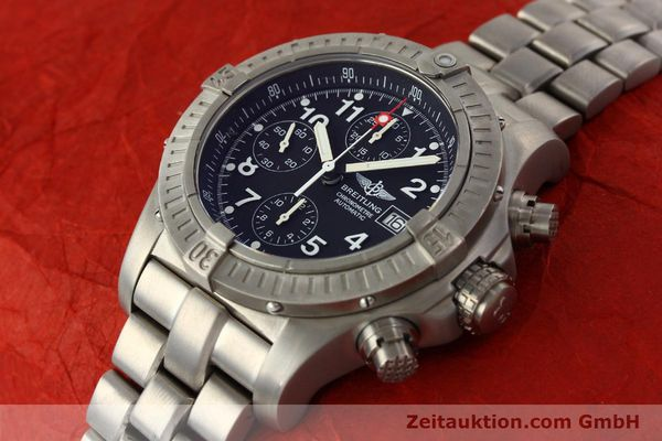 Used luxury watch Breitling Avenger chronograph titanium automatic Kal. B13 ETA 7750 Ref. E13360  | 141982 01