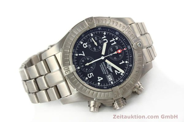 Used luxury watch Breitling Avenger chronograph titanium automatic Kal. B13 ETA 7750 Ref. E13360  | 141982 03