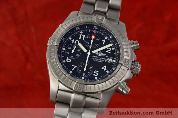 Used luxury watch Breitling Avenger chronograph titanium automatic Kal. B13 ETA 7750 Ref. E13360  | 141982 04