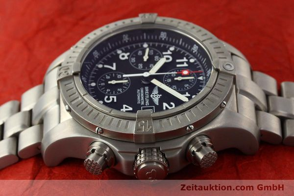 Used luxury watch Breitling Avenger chronograph titanium automatic Kal. B13 ETA 7750 Ref. E13360  | 141982 05