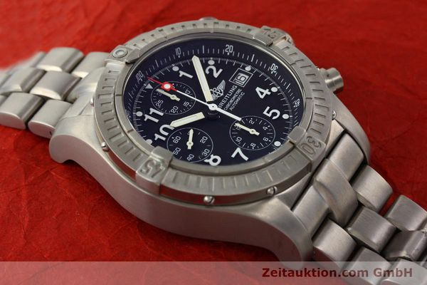 Used luxury watch Breitling Avenger chronograph titanium automatic Kal. B13 ETA 7750 Ref. E13360  | 141982 12