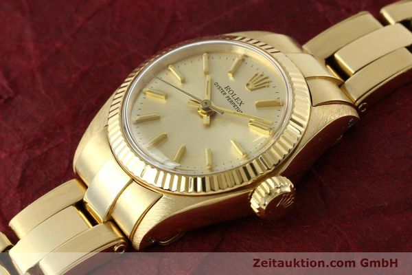 Used luxury watch Rolex Oyster Perpetual 18 ct gold automatic Kal. 2030 Ref. 6719  | 142005 01