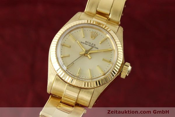 Used luxury watch Rolex Oyster Perpetual 18 ct gold automatic Kal. 2030 Ref. 6719  | 142005 04