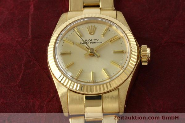 Used luxury watch Rolex Oyster Perpetual 18 ct gold automatic Kal. 2030 Ref. 6719  | 142005 17