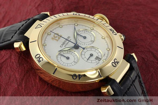 Used luxury watch Cartier Pasha chronograph 18 ct gold automatic Kal. 205  | 142527 15