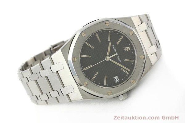 Used luxury watch Audemars Piguet Royal Oak steel quartz Kal. 2506  | 142562 03