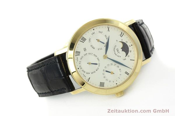 Used luxury watch IWC Ewiger Kalender 18 ct gold manual winding Kal. 84961 Ref. 2050  | 142977 03