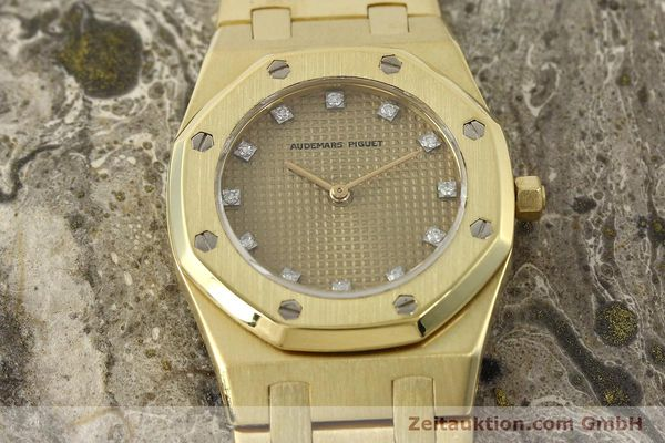 gebrauchte Luxusuhr Audemars Piguet Royal Oak 18k Gold Quarz Ref. B66686  | 143117 16