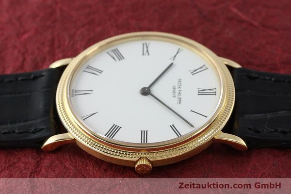 Used luxury watch Patek Philippe Calatrava 18 ct gold quartz Kal. E27 Ref. 3744  | 150162 05