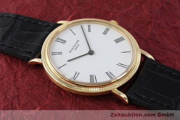 Used luxury watch Patek Philippe Calatrava 18 ct gold quartz Kal. E27 Ref. 3744  | 150162 15