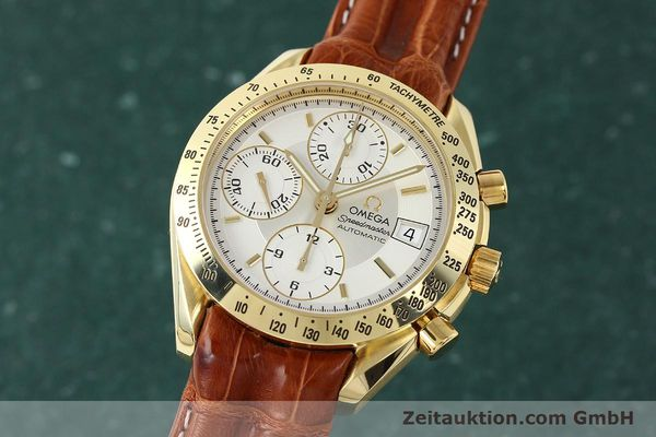 Used luxury watch Omega Speedmaster chronograph 18 ct gold automatic Kal. 1152  | 150321 04