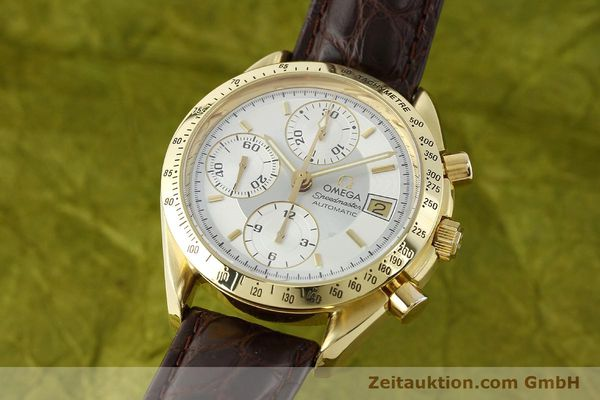 montre de luxe d occasion Omega Speedmaster chronographe or 18 ct automatique Kal. 1155  | 150571 04