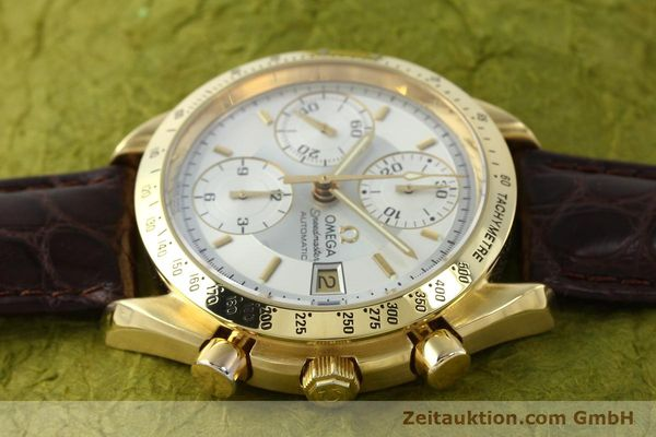 montre de luxe d occasion Omega Speedmaster chronographe or 18 ct automatique Kal. 1155  | 150571 05