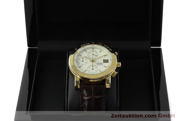Used luxury watch Girard Perregaux 7000 chronograph 18 ct gold automatic Kal. 800-014 Ref. 7000  | 150729 07