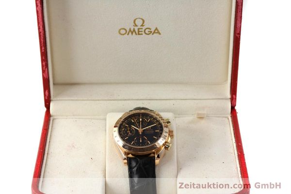 Used luxury watch Omega Speedmaster chronograph 18 ct gold automatic Kal. 1151 Ref. 36235001  | 150855 07