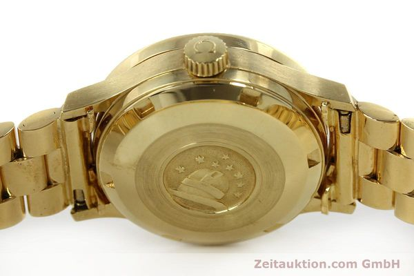 Used luxury watch Omega Constellation 18 ct gold automatic Kal. 685  | 151074 08