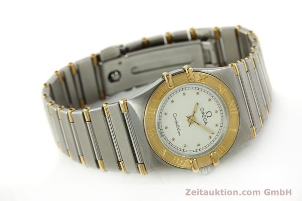 montre de luxe d occasion Omega Constellation acier / or  quartz Kal. ETA 976.001 Ref. 1455-13702000  | 151142 03