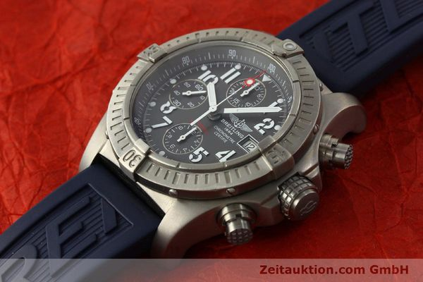 Used luxury watch Breitling Avenger chronograph titanium automatic Kal. B13 ETA 7750 Ref. E13360  | 151304 01