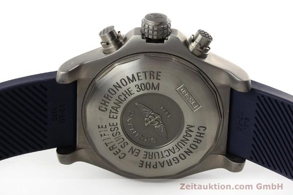 Used luxury watch Breitling Avenger chronograph titanium automatic Kal. B13 ETA 7750 Ref. E13360  | 151304 09