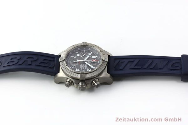Used luxury watch Breitling Avenger chronograph titanium automatic Kal. B13 ETA 7750 Ref. E13360  | 151304 12