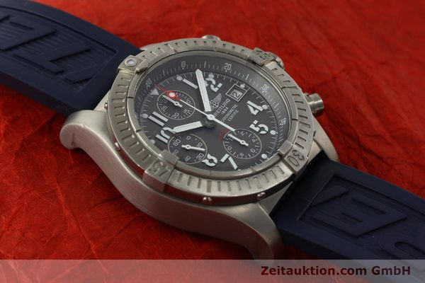 Used luxury watch Breitling Avenger chronograph titanium automatic Kal. B13 ETA 7750 Ref. E13360  | 151304 17