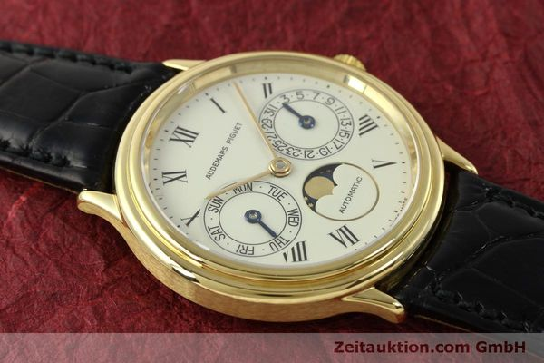 Used luxury watch Audemars Piguet Day-Date Moonphase 18 ct gold automatic Kal. 2124  | 151572 15