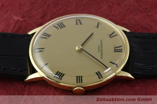 Used luxury watch Vacheron & Constantin * 18 ct gold manual winding Kal. 1014 Ref. 2013  | 151820 05
