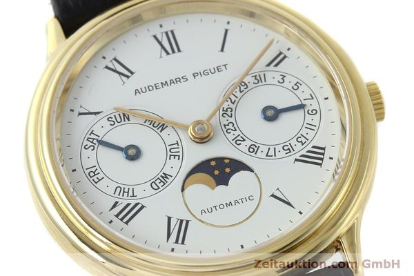 montre de luxe d occasion Audemars Piguet Day-Date Moonphase or 18 ct automatique Kal. 2124  | 151941 02