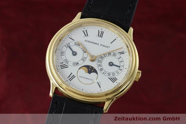 montre de luxe d occasion Audemars Piguet Day-Date Moonphase or 18 ct automatique Kal. 2124  | 151941 04