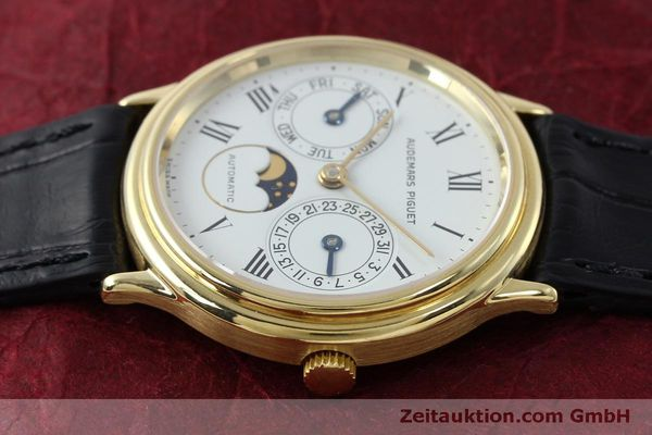 montre de luxe d occasion Audemars Piguet Day-Date Moonphase or 18 ct automatique Kal. 2124  | 151941 05
