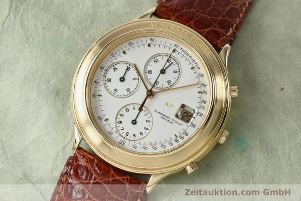 Used luxury watch Audemars Piguet * chronograph 18 ct gold automatic Kal. 2126  | 152033 01