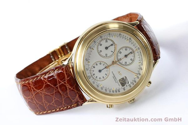 Used luxury watch Audemars Piguet * chronograph 18 ct gold automatic Kal. 2126  | 152033 03