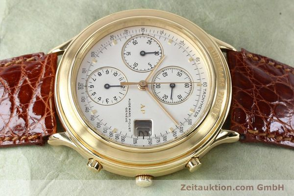 Used luxury watch Audemars Piguet * chronograph 18 ct gold automatic Kal. 2126  | 152033 05