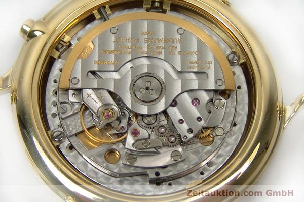 Used luxury watch Audemars Piguet * chronograph 18 ct gold automatic Kal. 2126  | 152033 09
