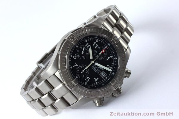 Used luxury watch Breitling Avenger chronograph titanium automatic Kal. B13 ETA 7750 Ref. E13360  | 152061 03