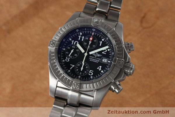Used luxury watch Breitling Avenger chronograph titanium automatic Kal. B13 ETA 7750 Ref. E13360  | 152061 04