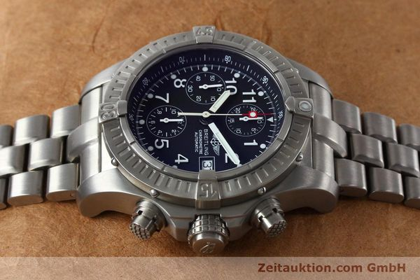 Used luxury watch Breitling Avenger chronograph titanium automatic Kal. B13 ETA 7750 Ref. E13360  | 152061 05