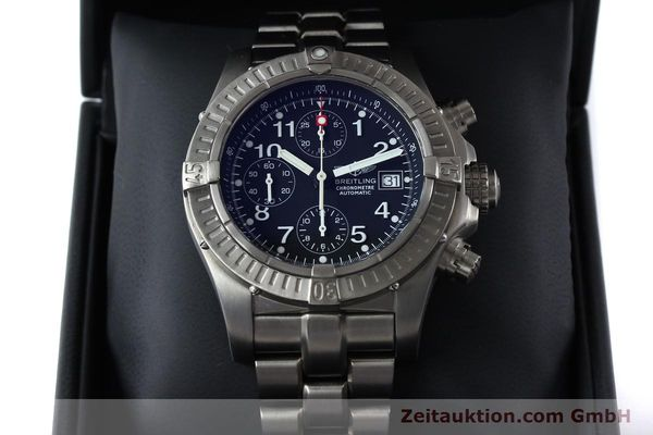 Used luxury watch Breitling Avenger chronograph titanium automatic Kal. B13 ETA 7750 Ref. E13360  | 152061 07