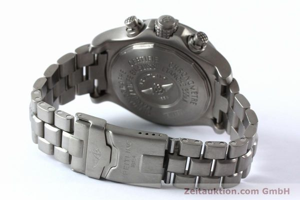 Used luxury watch Breitling Avenger chronograph titanium automatic Kal. B13 ETA 7750 Ref. E13360  | 152061 11